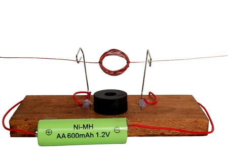 12v: Handmade motor. Children of the experimental science. Study of the summer vacation.