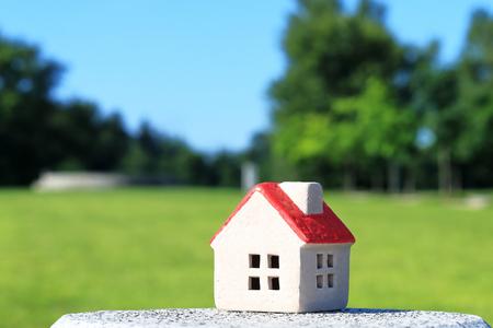 家。。。赤い家の屋根。