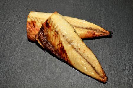 Grilled mackerel on wooden table Stockfoto