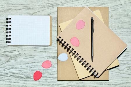 Sakura of confetti and notes