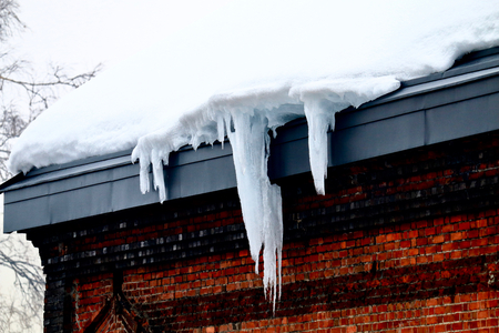 Icicle-hung eaves 写真素材