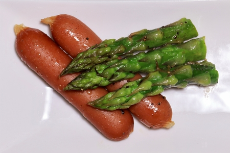 Asparagus with salt and pepper