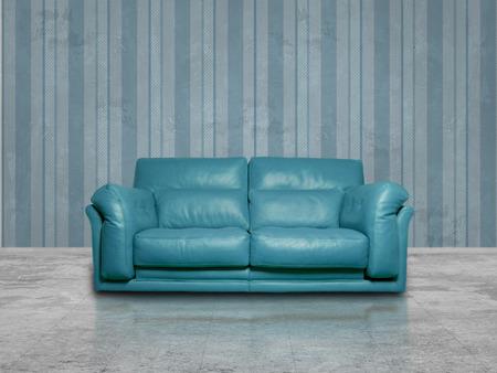 blue leather sofa: divano in pelle blu