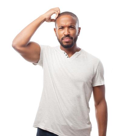 dudando: joven hombre fresco dudar negro