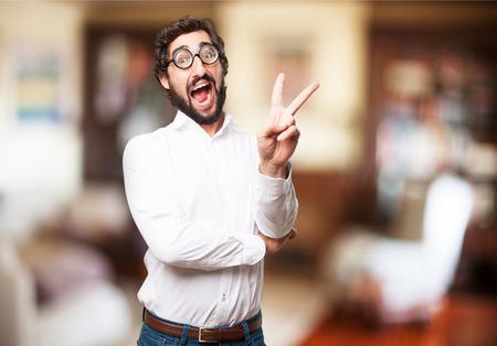 bobo: hombre feliz tonto