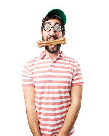 tonto: engañar a hombre loco. la expresión feliz