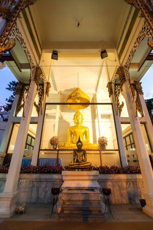Temple of the Golden Buddha in Bangkok. Редакционное