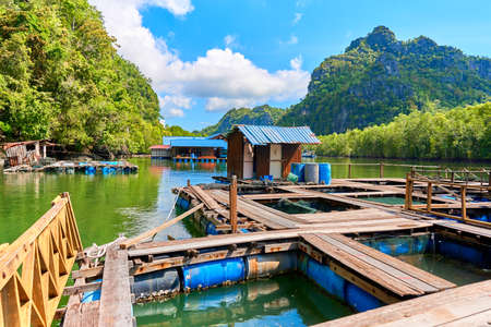A floating fish farm on the island of Langkawi in Malaysia. Foto de archivo
