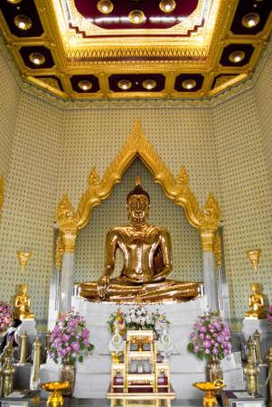 Hundred Percent Golden Buddha photo
