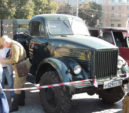 fourwheeldrive: Retrocar four-wheel-drive truck GAZ-63 Editorial