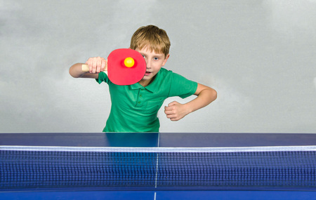 boy playing table tennis Stok Fotoğraf