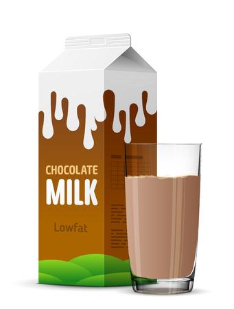 Vetro di latte al cioccolato con il pacchetto top timpano da vicino. Mucca cacao cartone di latte e tazza di latte isolati su bianco. immagine per il latte, la ristorazione, prodotti lattiero-caseari, bevande, gastronomia, salute alimentare, ecc