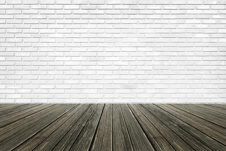 piso piedra: Fondo de la pared de ladrillo con piso de madera