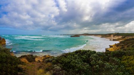 mare agitato: Mare mosso lungo la strada grande oceano di Victoria Australia Archivio Fotografico