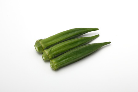 緑と黄色の野菜オクラ