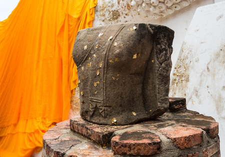 stole: Old buddha statue were destroy by theif,who want to stole head of buddha statue,in Ayuthaya Thailand Stock Photo
