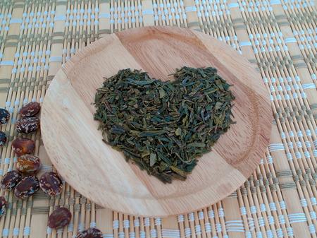 maintain: Tea leaves, helps maintain heart.
