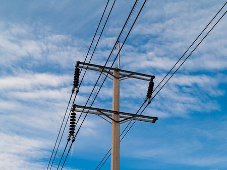 electricidad: Las torres de electricidad, postes, los estándares de calidad de hormigón. Electricidad probado
