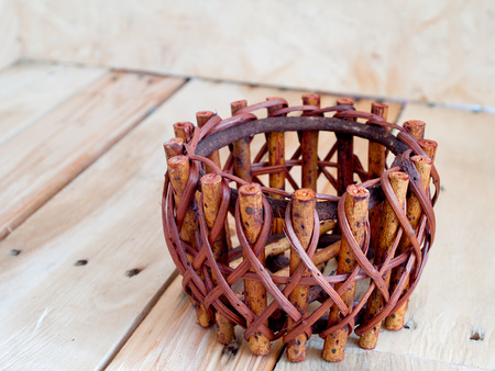 wickerwork: wickerwork, woodwork, to weave a basket. Stock Photo