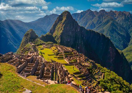 Landscape of Machu Picchu citadel with Andes mountain range views of Huayna Picchu. Cusco region, Peru Reklamní fotografie