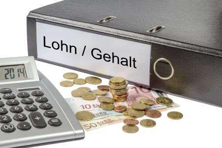 Un classeur marqu� l'esprit le mot Lohn Gehalt allemand sur les salaires, calculateur de salaire et la monnaie europ�enne