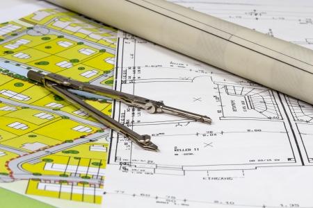 building house: I piani di costruzione e Piazzole con compas