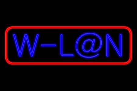 Enseigne lumineuse au n�on avec les lettres bleues et cadre rouge montrant w-lan avec au signe en tant que isol� sur fond noir