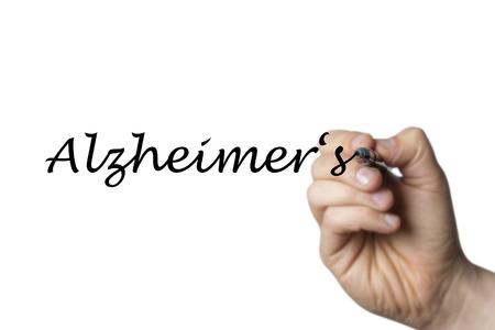 comunicación escrita: Alzheimer escritas por una mano aisladas sobre fondo blanco