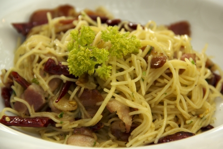 Spaghetti stir with bacon and chilli  photo