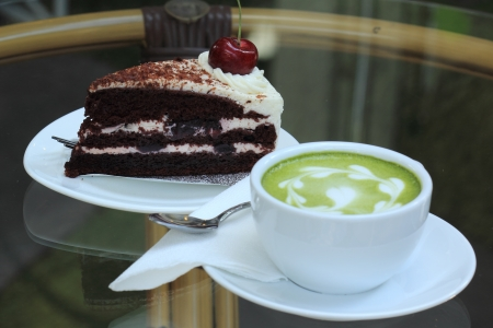 forest tea: Green tea Latte and Black forest cake