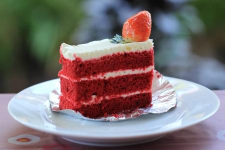 shortcake: Strawberry layer cake and whipped cream torte