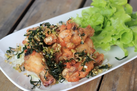 Fried Hot Chicken Wings with crispy garlic  photo