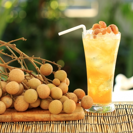Longan juice cold water and fresh longan  photo