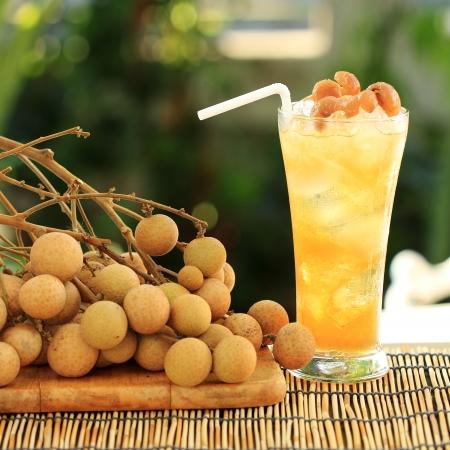 longan: Longan juice cold water and fresh longan