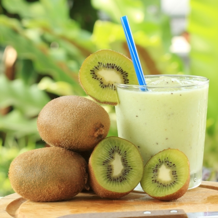 Kiwi smoothie for refreshment in the afternoon photo