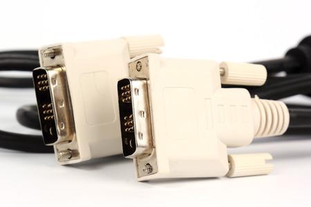 vga: Cerca cable VGA para el monitor aislado en blanco