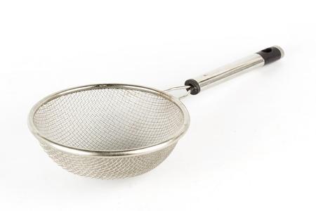 흰색 배경에 고립 된 금속 소 쿠리 스톡 콘텐츠