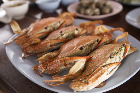 meat alternatives: Steam Dungeness crab ,ready to eat