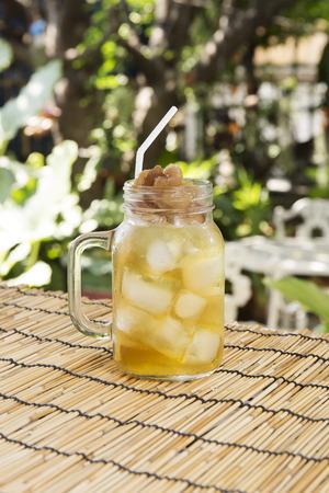 cheerfulness: Longan juice cold water Thai herb drink