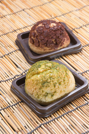 creampuff: Chocolate and green tea choux cream on the tray
