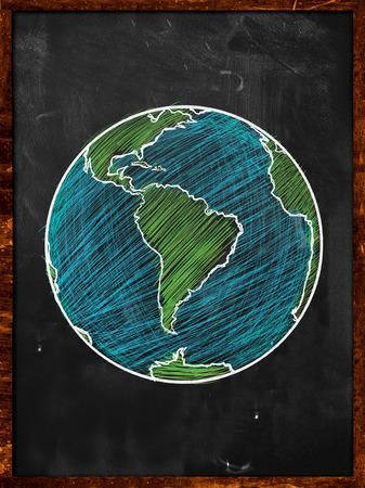 黒板に緑青い地球