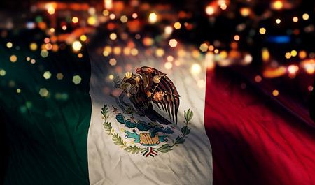 Mexique Drapeau national Night Light Bokeh Résumé Contexte Banque d'images - 31175133