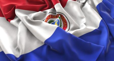 bandera de paraguay: Bandera de Paraguay con volantes Bellamente agitando Macro Close-up Shot
