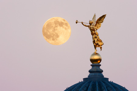 full moon night in Dresden