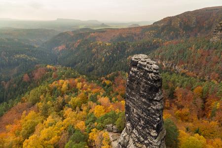 czech switzerland: Colori autunnali nella boemia svizzera