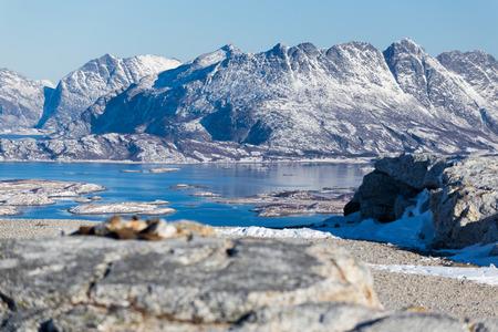 겨울에 보도 (노르웨이) 근처 산 풍경 스톡 콘텐츠 - 95081474