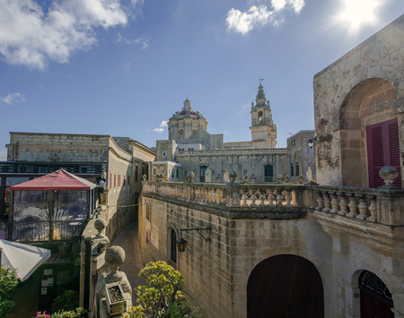 madina: pictures of a view over the roofs and terraces of Mdina