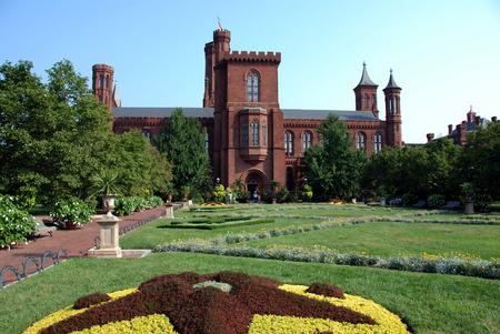 dc: Smithsonian Castle in Washington DC
