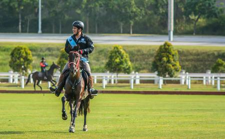 uomo a cavallo: Horseman Editoriali