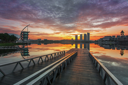 Putrajaya lake with a nice view from watersport jetty Imagens